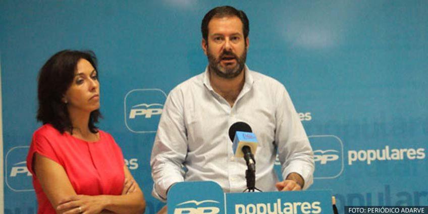 María Luisa Ceballos y Adolfo Molina