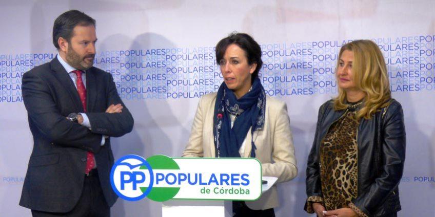 María Luisa Ceballos, Isabel Cabezas y Antonio Nieto